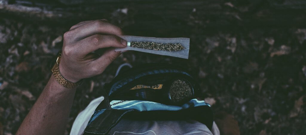 How To Roll A Tight Blunt