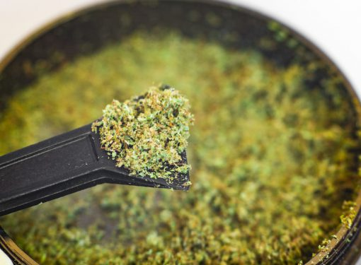 How to Smoke Kief Without Weed